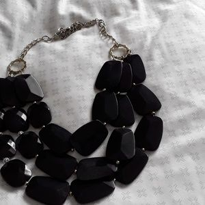 Jewelry - Black statement necklace